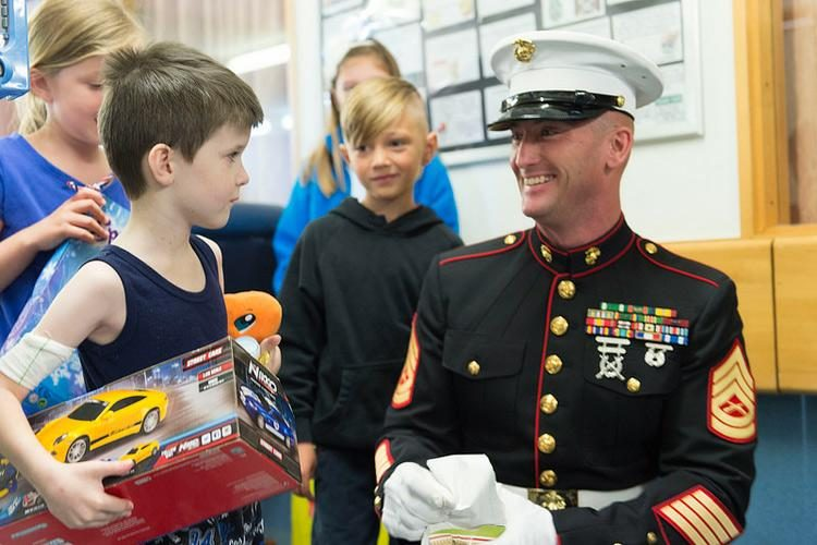 Toys For Tots Marines Stabbed : Fact check marine stabbed by shoplifter