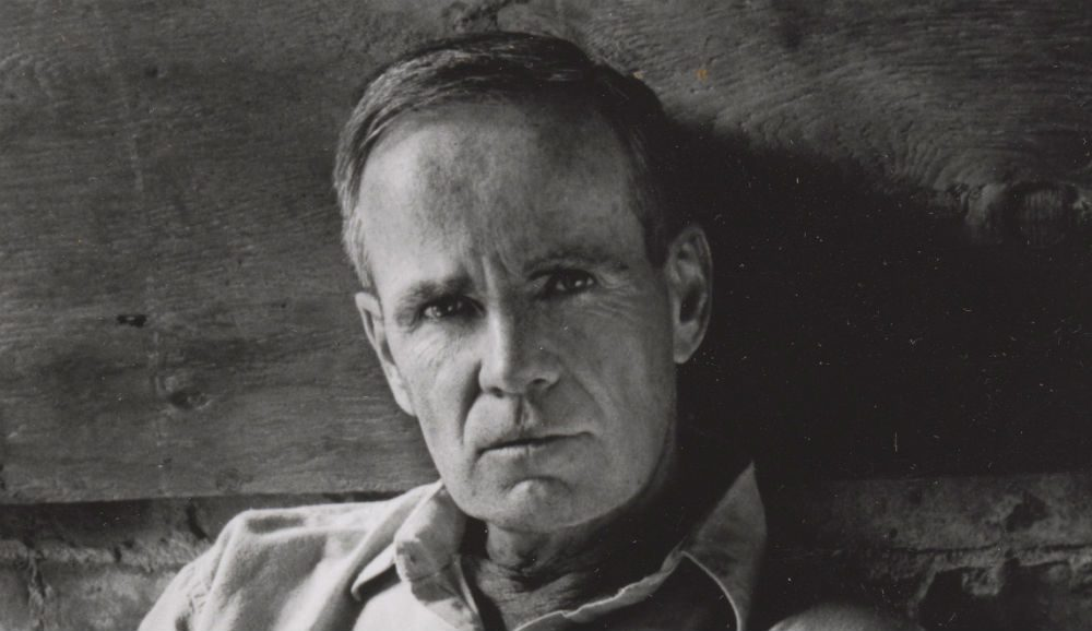 the issue of death and cormac mccarthy The issue of death and cormac mccarthy 1101 words feb 23rd, 2018 4 pages color in the world—except for the red of fire and blood—exists mainly in memory and dream.