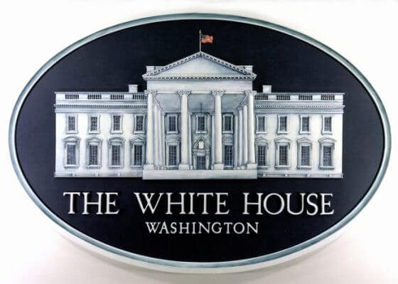 Fact check what obama just did to the white house logo for How much rooms does the white house have