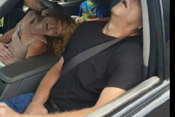 FACT CHECK: Ohio Police Post Graphic Photograph of Adults Passed Out from Heroin with Child in Car
