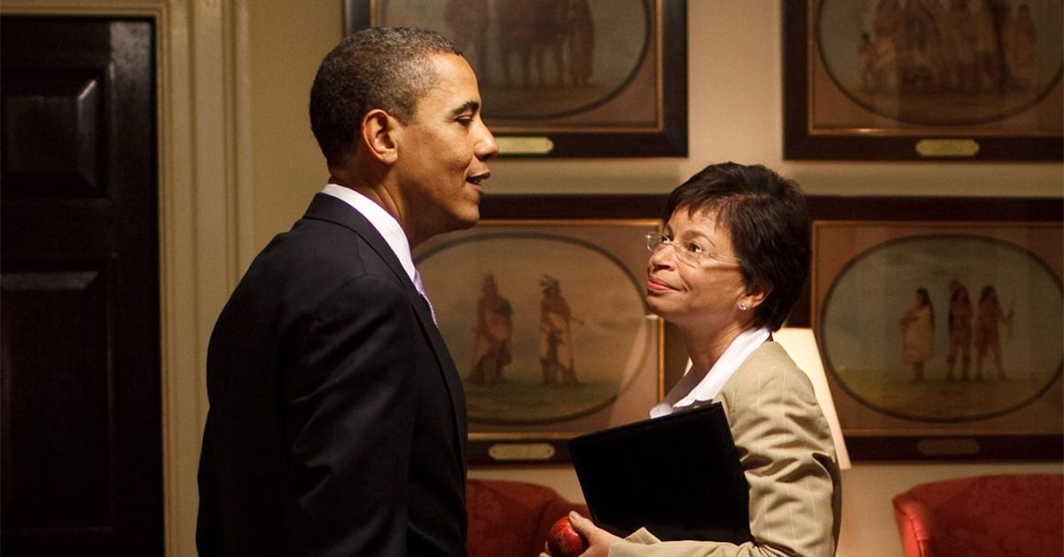 did obama aide valerie jarrett move in with the obamas to