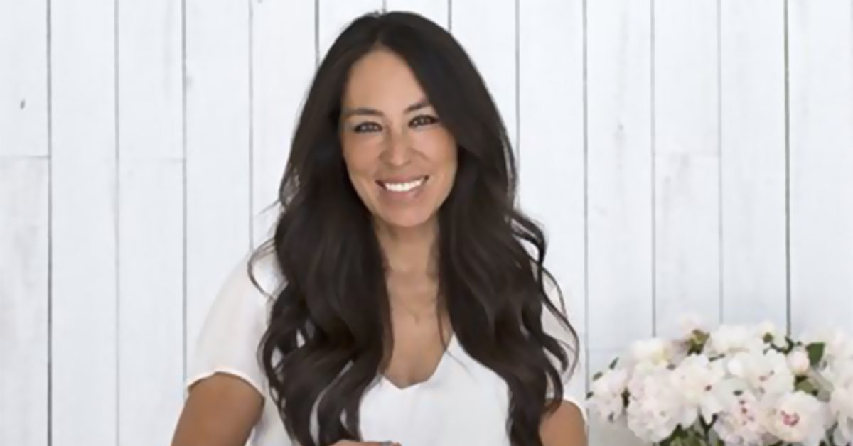 joanna gaines addresses rumor that she s leaving fixer hot girl photos. Black Bedroom Furniture Sets. Home Design Ideas
