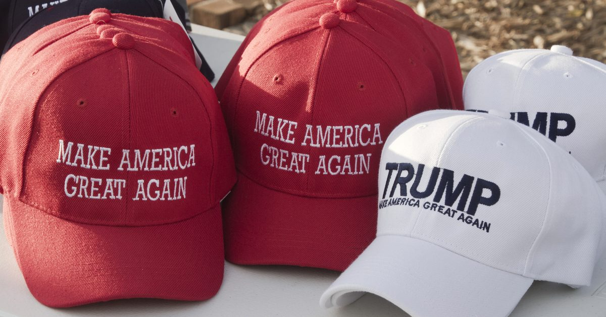 FACT CHECK: Did the Florida Shooter's Instagram Profile Picture Feature a 'MAGA' Hat?