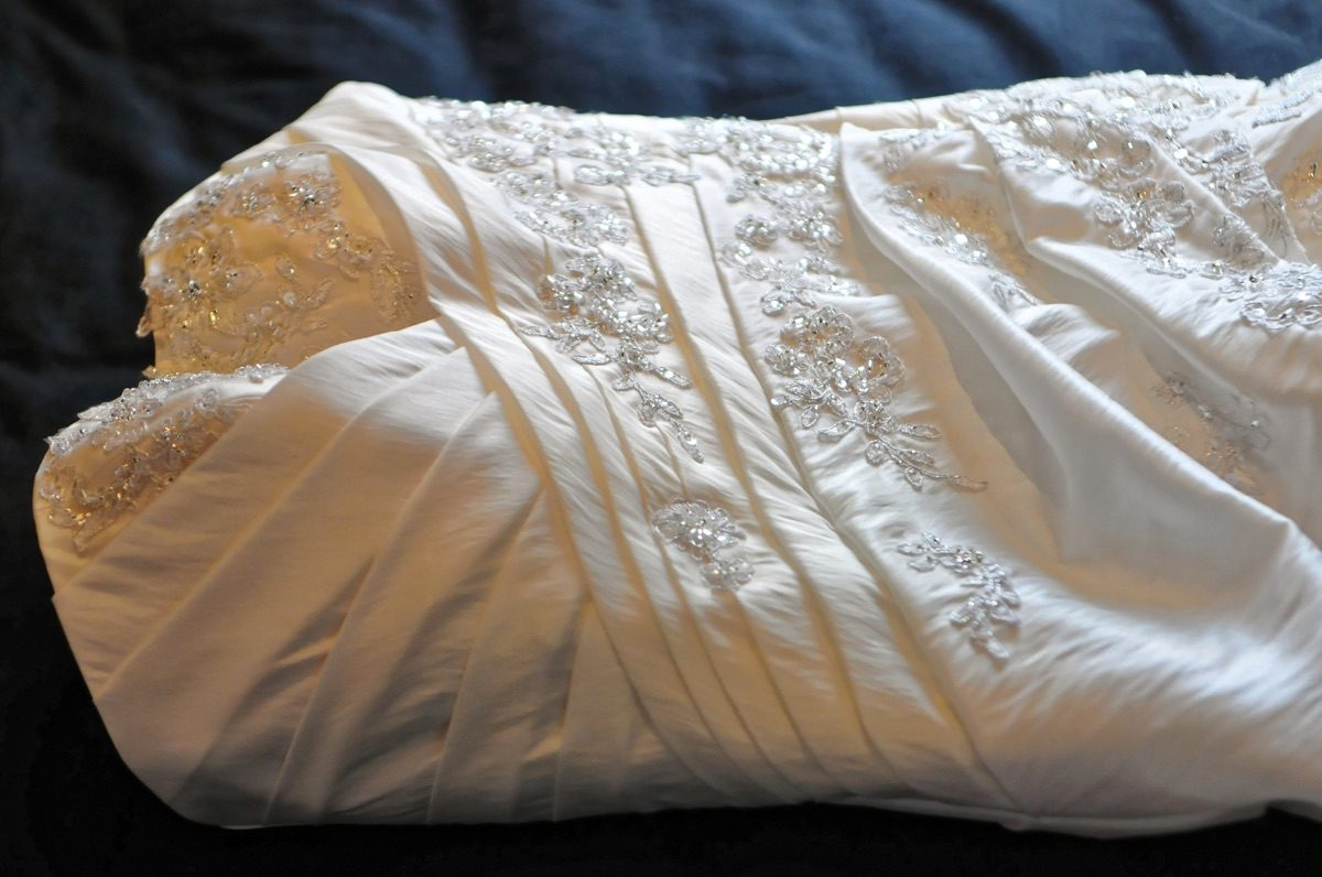 An Ohio Woman Has Been Reunited With Her Wedding Dress 32 Years After A Dry  Cleaner Mix Up.