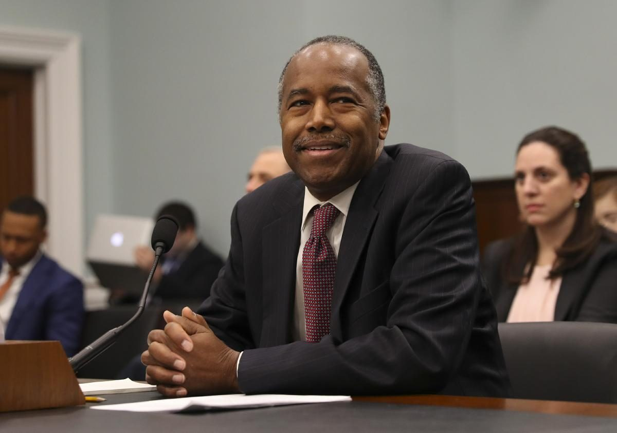Ben Carson points to wife on $31000 HUD dining set purchase