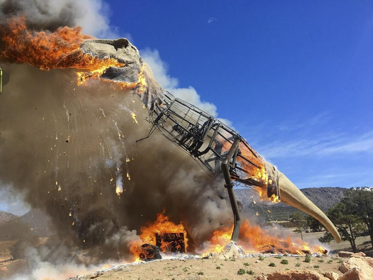 Animatronic T-Rex Bursts Into Flames At Colorado Dinosaur Park