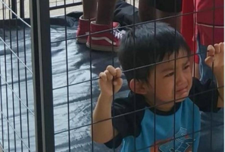 FACT CHECK: Does This Image Show a Toddler in a Cage Detained by ICE in 2018?