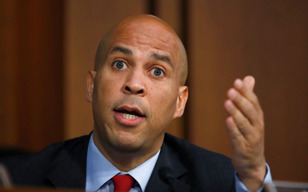 Eyeing White House, Cory Booker Introduces Himself to Iowa