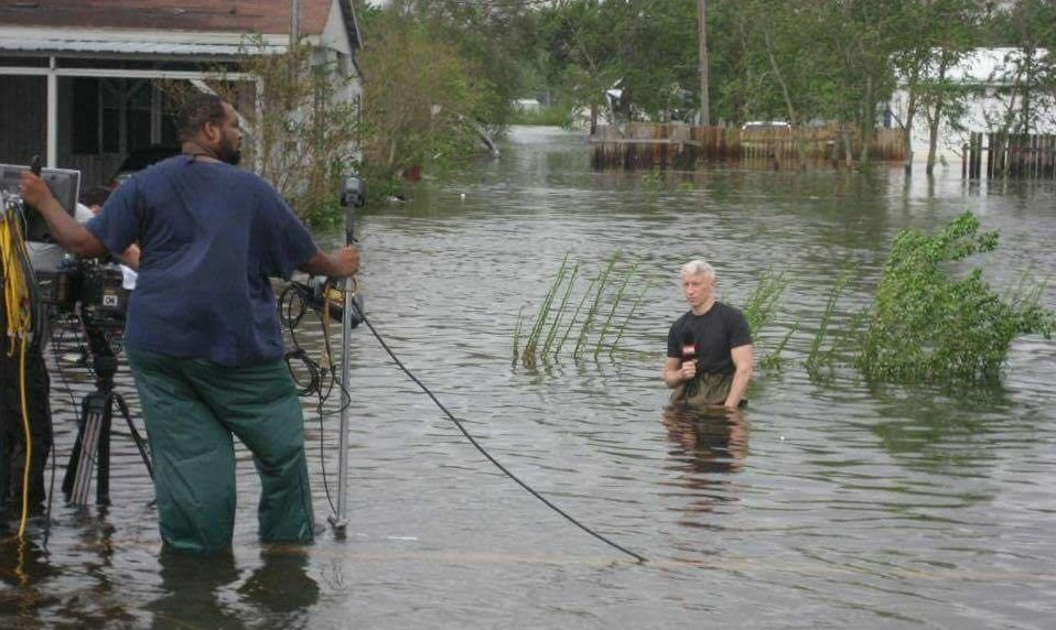 FACT CHECK: Is This Anderson Cooper Standing in a Ditch While Reporting Hurricane Florence?