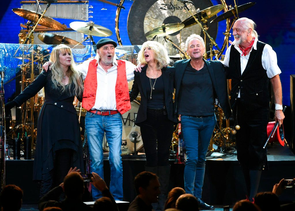 Lindsey Buckingham Sues Fleetwood Mac for Kicking Him Out