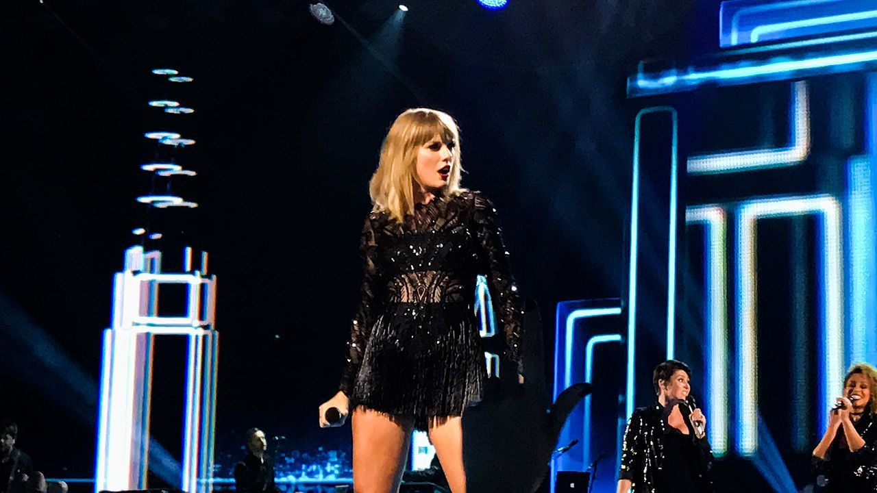 FACT CHECK: Was Taylor Swift 'Busted' on a Date with Colin Kaepernick?