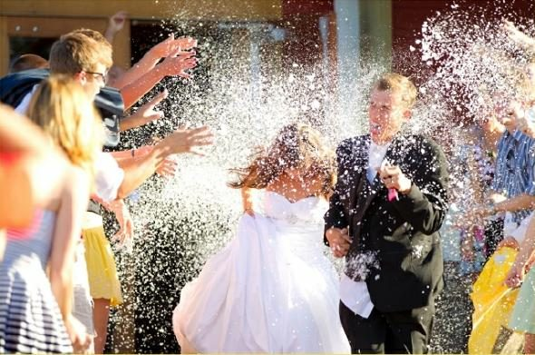 Is Throwing Rice at Weddings Bad for Birds?